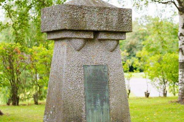 kuva muistomerkistä